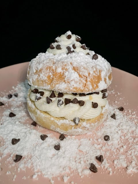 "Cannoli ""Donuts"""
